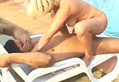 loirinha fodendo na beira da piscinha